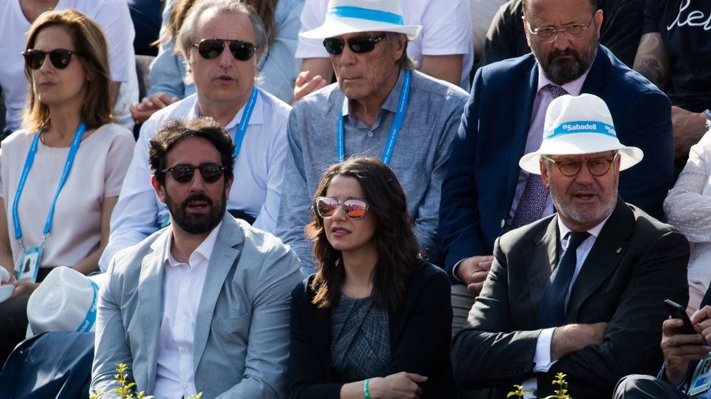 Foto: Xavier Cima e Inés Arrimadas, viendo un partido de tenis en Barcelona. (Getty)