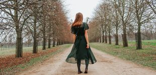 Post de Serás la invitada más elegante (con toque boho) de la boda con este maravilloso vestido verde de Massimo Dutti
