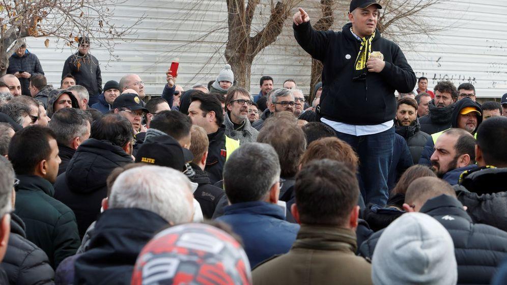 Foto: El portavoz de la asociación Elite Taxi, Alberto 'Tito' Álvarez. (EFE)