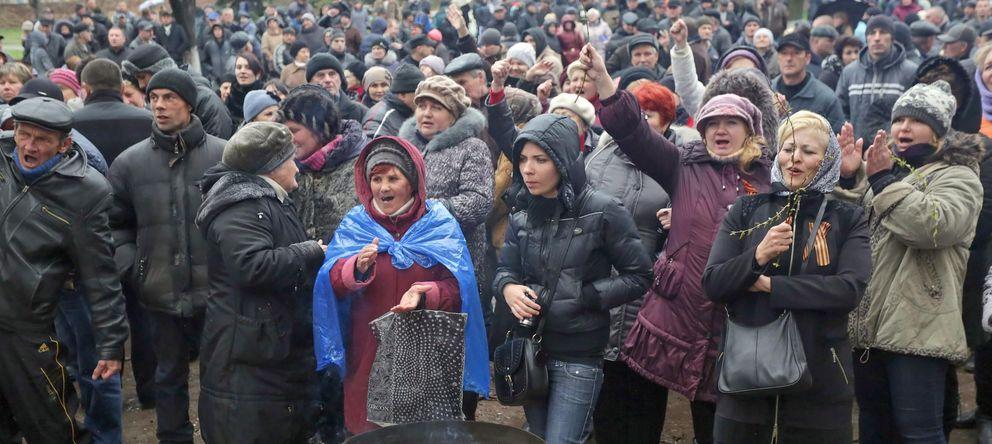 Foto: Protestantes prorrusos en Slaviansk. (Efe)