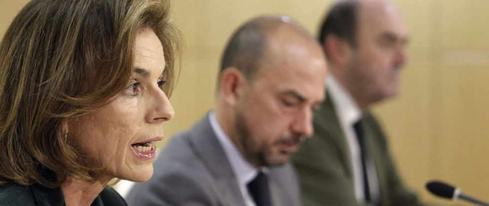 Foto: La dimisión de Villanueva le estalló a Botella en plena reunión con Esperanza Aguirre