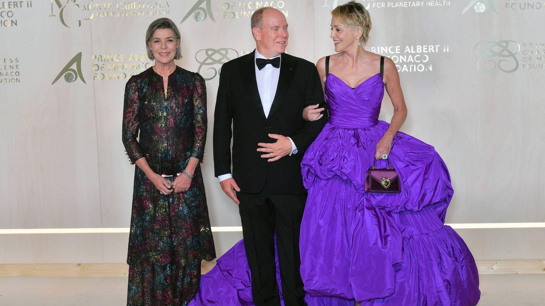 Carolina, Alberto y Sharon Stone. (Getty)
