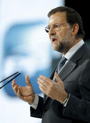 """Rajoy responde a Aznar: """"No queremos un partido que se recree en la contemplación de sus principios"""""""