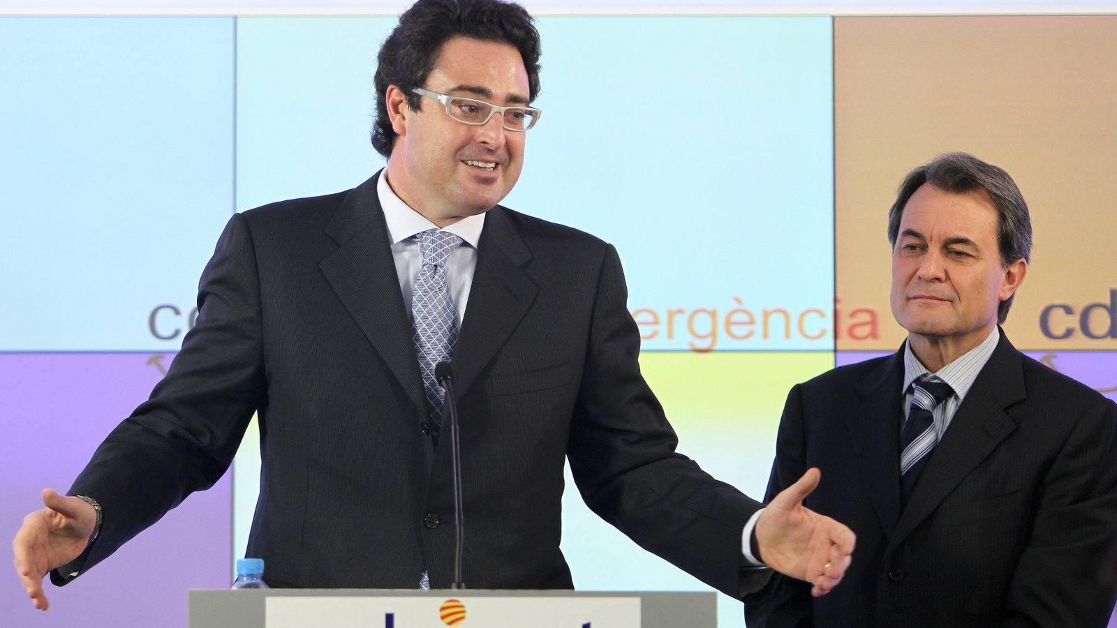 Foto: David Madí (i) junto a Artur Mas (d). (EFE)