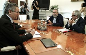 Alberto Ruiz-Gallardón estudiará el indulto para seis sindicalistas