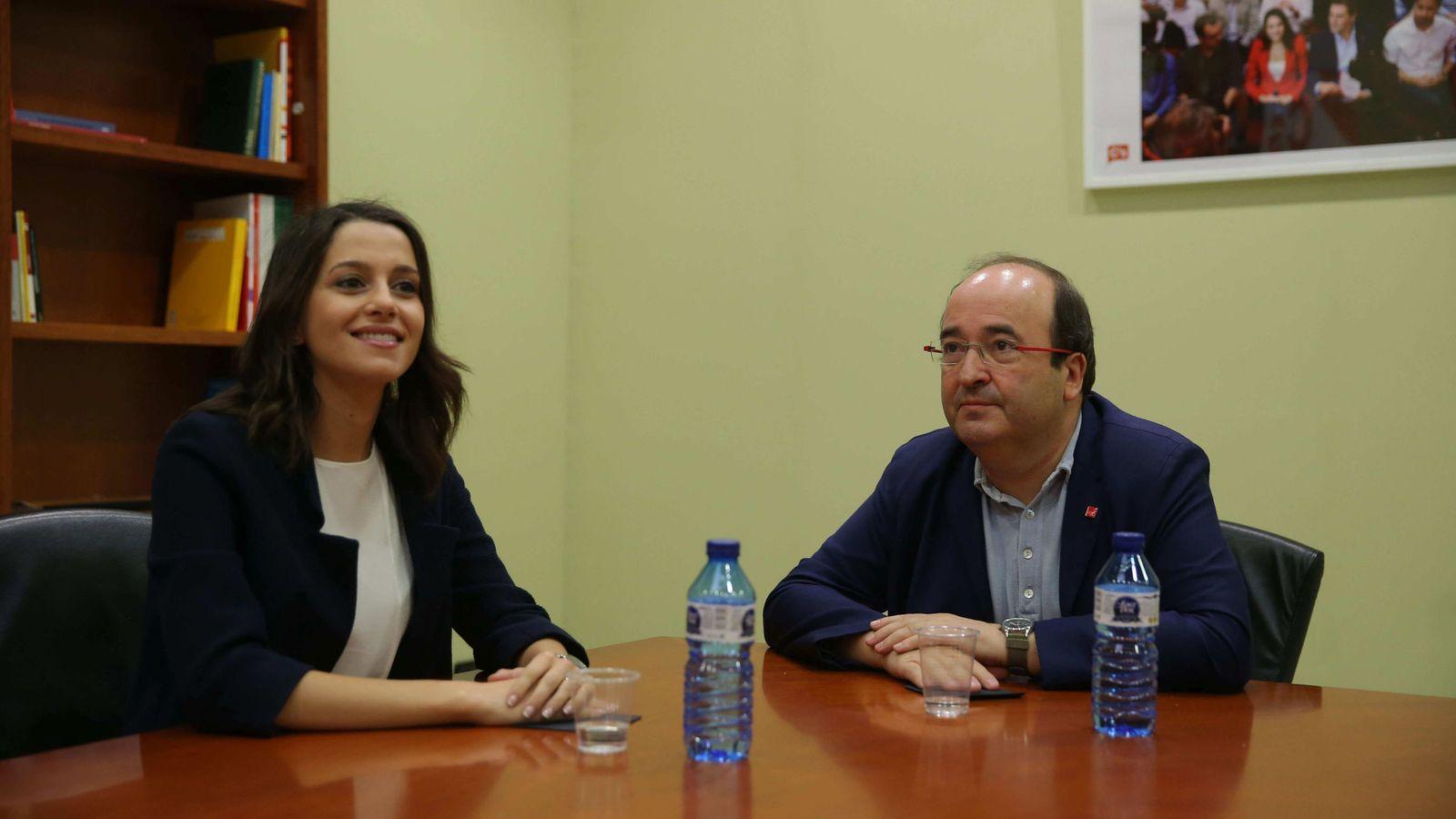 Foto: Inés Arrimadas (Ciudadanos) y Miquel Iceta (PSC). (EFE)