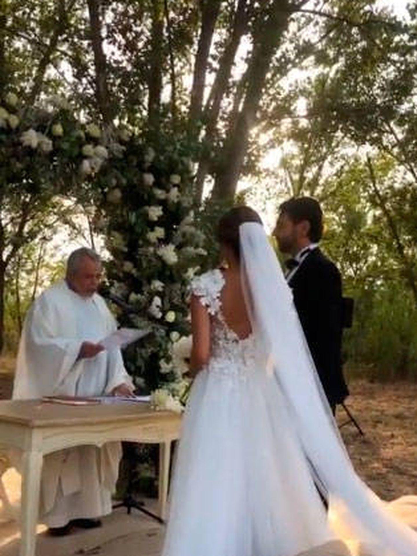Alexandra Pereira y Gahssan Fallaha en su boda. (IG)