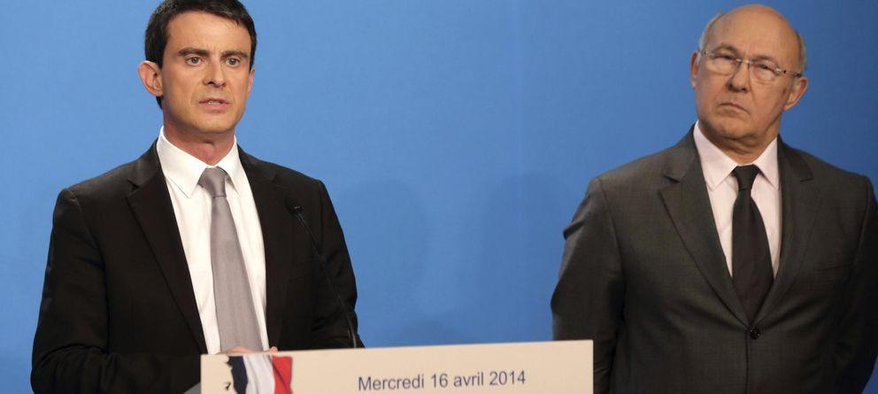 Foto: El primer ministro francés, Manuel Valls (i), y el ministro de Finanzas, Michel Sapin, (EFE)