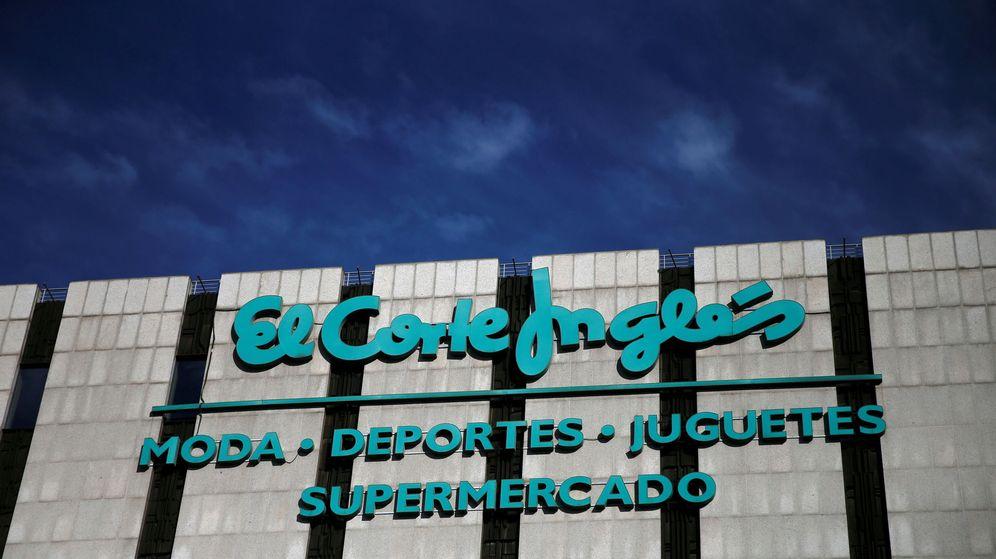 Foto: Logo de El Corte Inglés en uno de sus centros comerciales en Madrid. (Reuters)