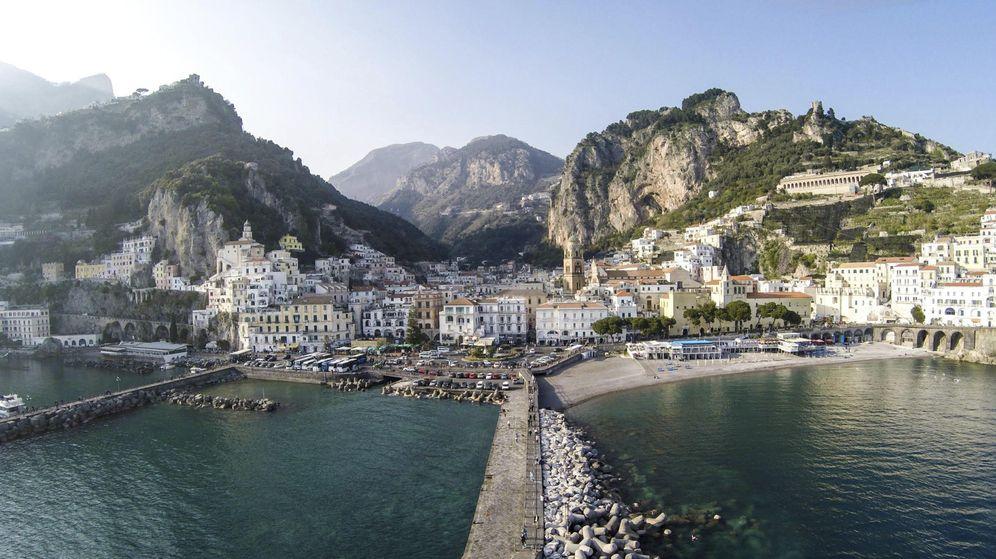 Foto: La Costa Amalfitana a vista de dron. (EFE)