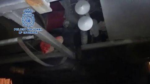 Laborioso rescate de un menor que viajó desde Tánger oculto entre los ejes de un autobús