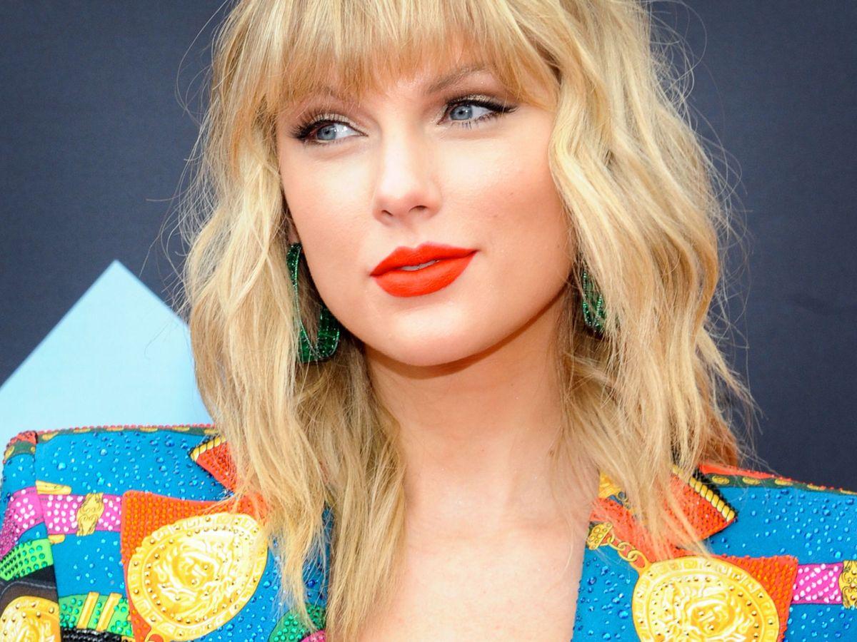 Foto: Taylor Swift es una de las estrellas que pasa de contratar a maquilladores. (EFE)
