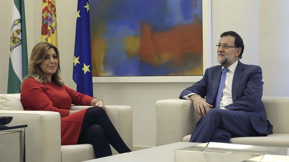 Foto: Rajoy recibe a díaz para analizar posibles inversiones de la UE en andalucía. (Efe)