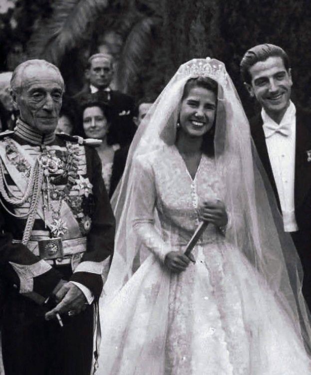 Foto: La duquesa de Alba y su primer marido, junto a su padre, Jacobo Fitz-James Stuart. (EFE)