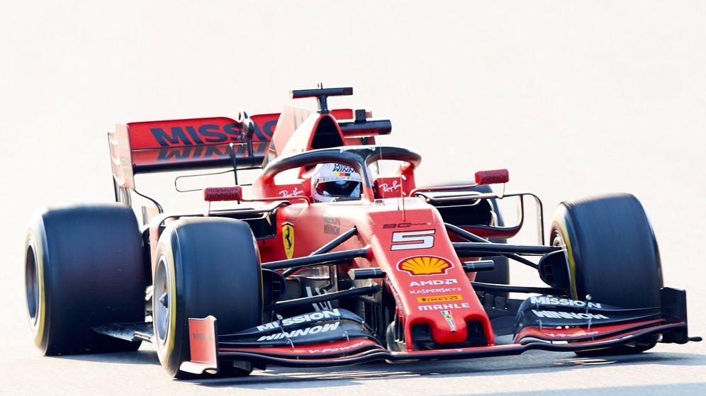 Foto: Sebastian Vettel durante la tercera jornada de los entrenamientos oficiales de pretemporada. (EFE)
