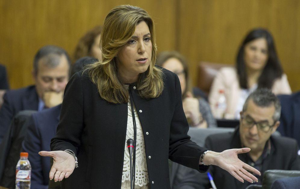 Foto: Susana Díaz, en la sesión de control al Gobierno en el Parlamento andaluz el pasado 17 de marzo. (EFE)