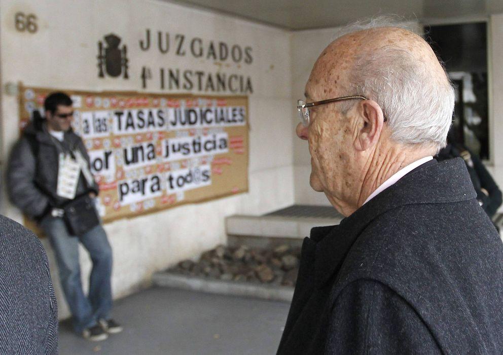 Foto: Simón Viñals llega a los juzgados de Plaza de Castilla (EFE)