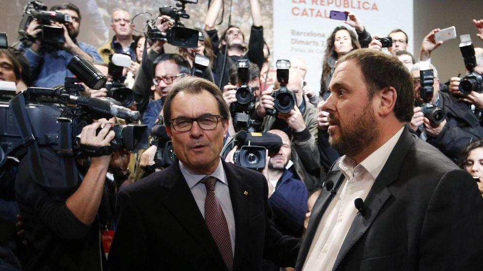 Foto: El presidente de la Generalitat Artur Mas y el líder de ERC Oriol Junqueras. (Reuters)