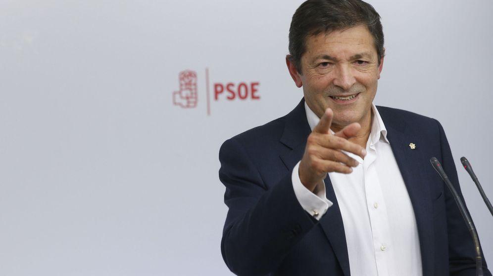 Foto: El presidente de la gestora del PSOE, Javier Fernández. (Efe)