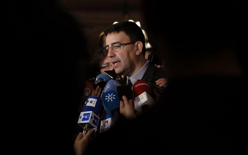 Foto: Mario Jiménez, este 22 de noviembre, a su llegada al hotel Palace, al desayuno de Ximo Puig en Madrid. (EFE)