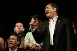Foto: Rafael Correa aparece como el gran triunfador en las elecciones a la asamblea constituyente de Ecuador