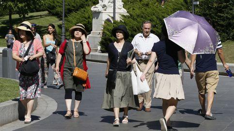 El turista chino racanea en los comercios madrileños: las ventas bajan un 22%