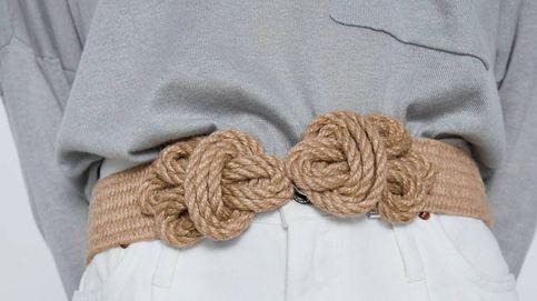 El cinturón que combina con todo (y hace tipazo) está en las rebajas de Zara