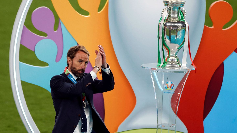Gareth Southgate, tras recibir la medalla de subcampeón de la Eurocopa. (REUTERS)