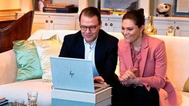 Victoria y Daniel, desde su casa. (Casa Real de Suecia)