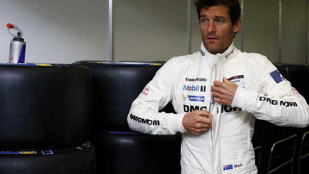 Foto: Mark Webber preparándose antes de saltar a la pista de Le Mans.