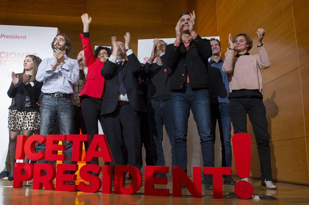 Foto: Miquel Iceta y Pedro Sánchez, al término del acto de campaña del PSC en Tarragona, este 9 de diciembre. (Borja Puig | PSOE)