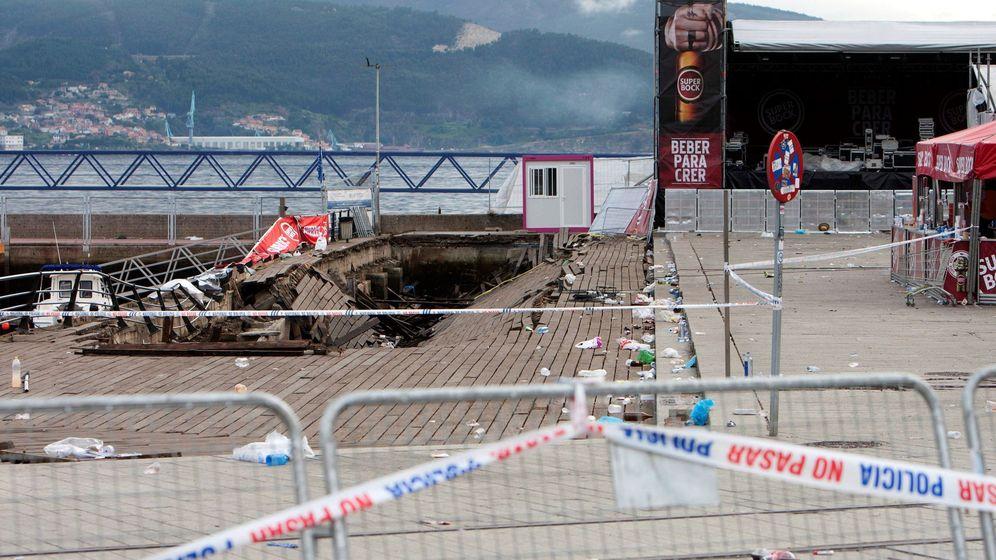 Foto: Desplome de una plataforma en el festival o marisquiño (vigo)