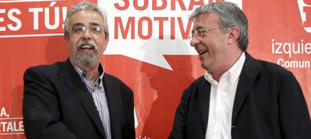 Foto: Ángel Pérez y Gregorio Gordo, dos de los dirigentes de IU en Madrid señalados por la ejecutiva federal. (EFE)
