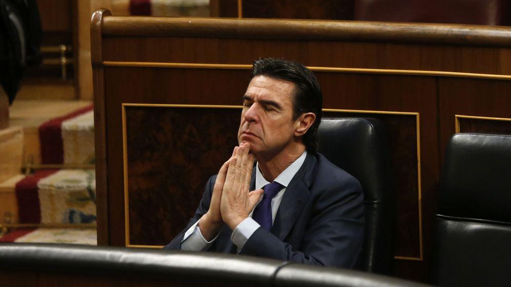 Foto: El ministro de Industria, Energía y Turismo en funciones, José Manuel Soria, en su escaño este miércoles (Efe).