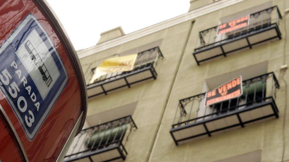 Foto: Mi pareja y yo vamos a vivir de alquiler, ¿debemos firmar los dos el contrato? (EFE)