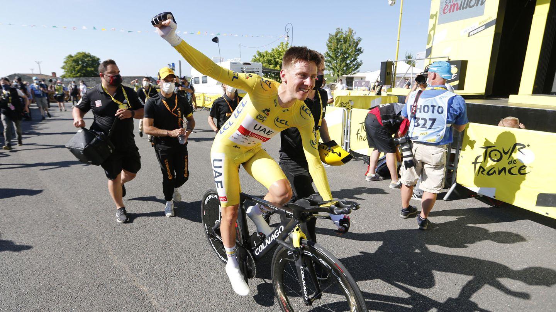 Pogacar, celebrando el triunfo. (Reuters)