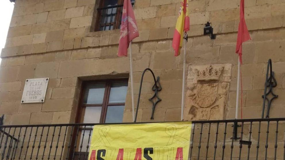 Un municipio de Bildu admite la ilegalidad de exhibir símbolos de apoyo a Oriol Junqueras