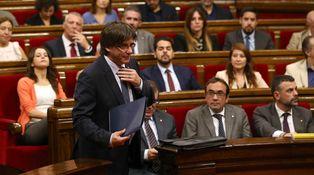 Sesión de porros, confianza y referéndum en el Parlament