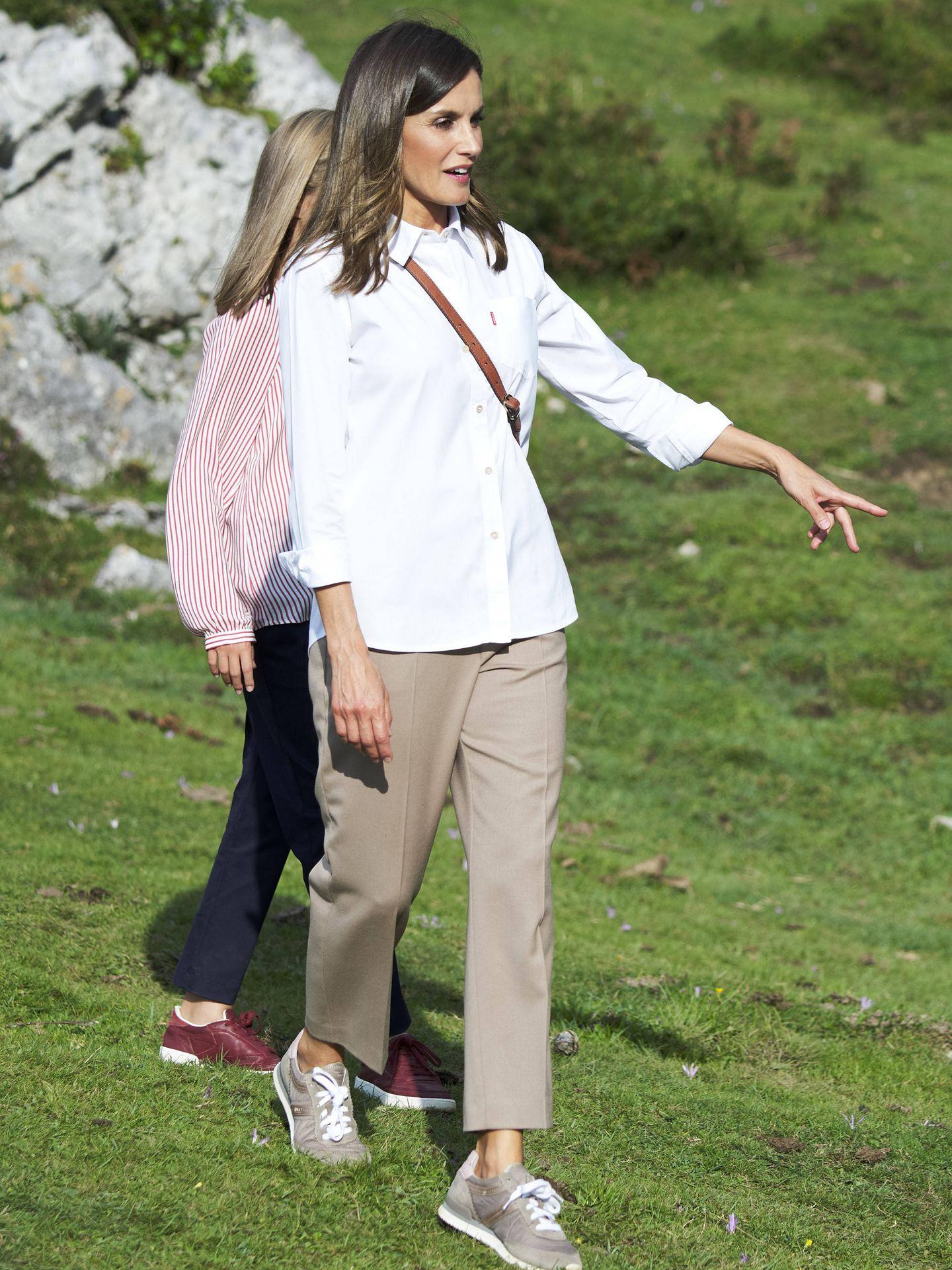La reina Letizia, en los lagos de Covadonga. (Getty)
