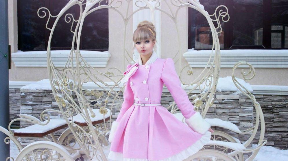 Foto: La madre de Angelica está obsesionada con que su hija se parezca a Barbie. (Facebook)