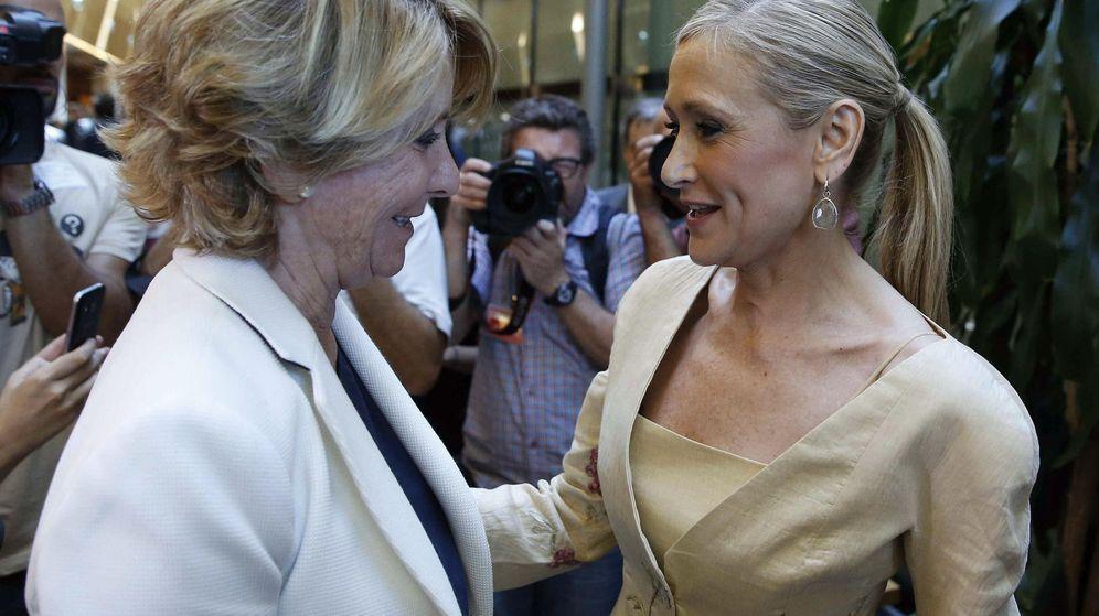 Foto: Esperanza Aguirre y Cristina Cifuentes.