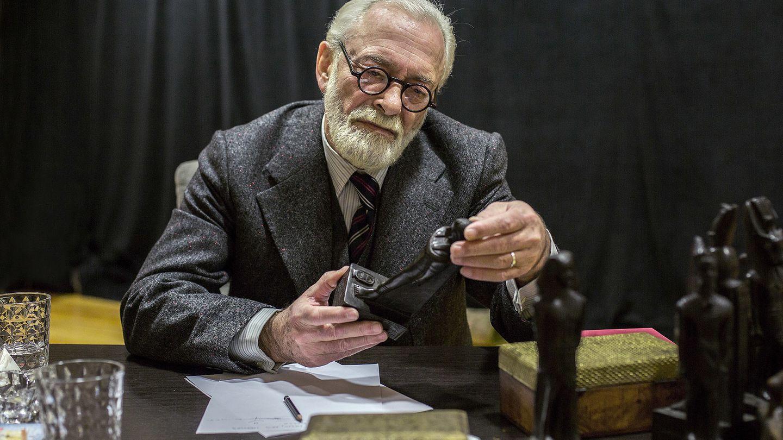 Helio Pedregal da vida a Freud en la nueva obra de Tamzin Townsend