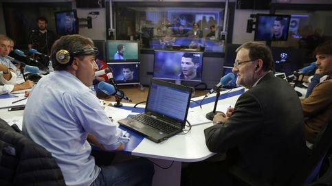 La colleja de Rajoy a su hijo: así fue la noche deportiva de Mariano Rajoy
