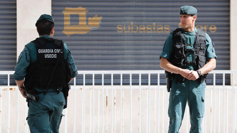 Foto: La Guardia Civil registra la empresa que preside la mujer de Ignacio González. (EFE)