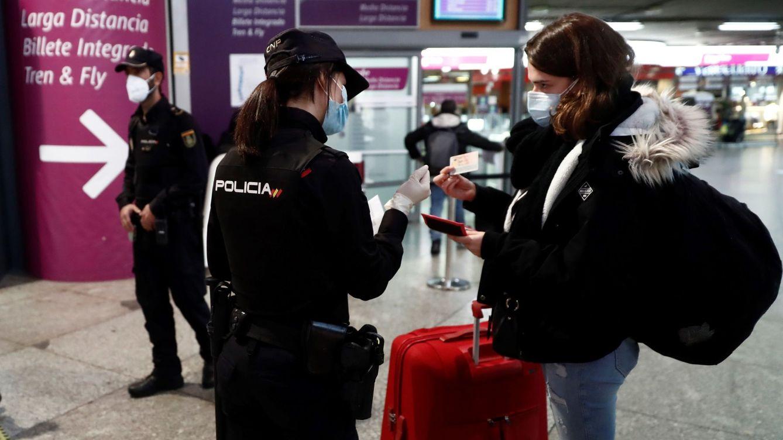 Más mujeres y menos efectivos en total: así ha evolucionado la Policía en la última década