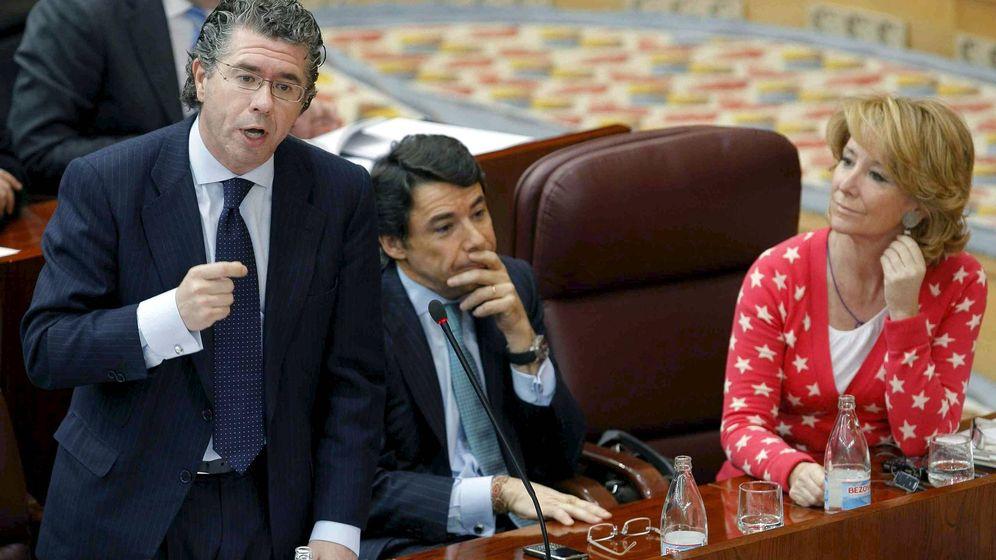Foto: Fotografía de archivo de Francisco Granados (i), Ignacio González y Esperanza Aguirre. (EFE)