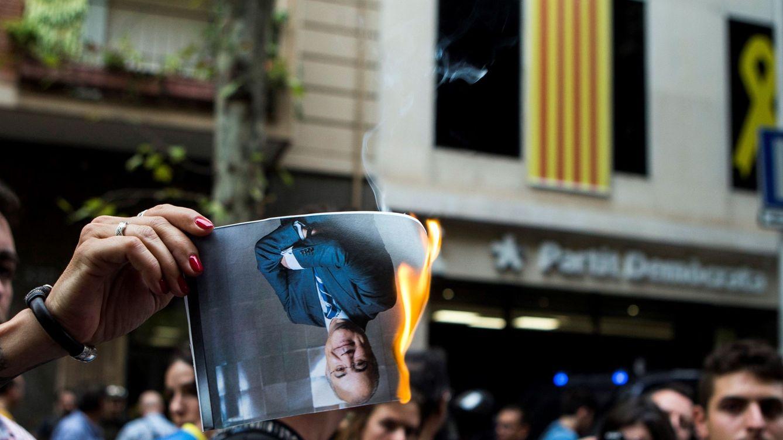 El acoso independentista fuerza al juez Llarena a salir de Cataluña