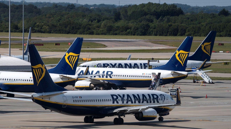 Foto: Aviones de Ryanair en el Reino Unido. (EFE)