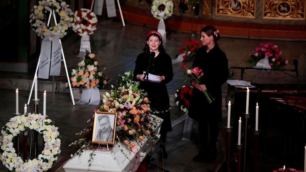 Foto: Maud y Marta Luisa durante el funeral. (Reuters)