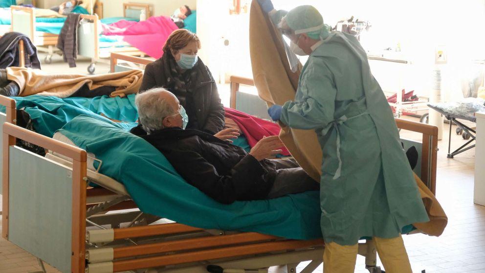 Doctora, dígale a mi mujer que la amo: las horas más duras de los pacientes en Italia